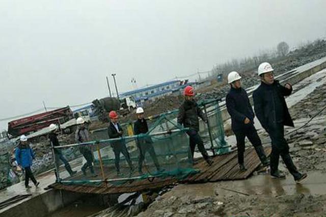 省水利厅副总工程师余元君在岳阳现场办公时因公殉职