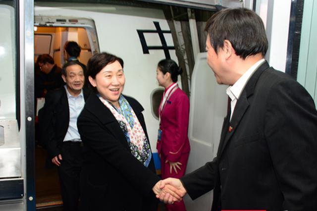部分住湘全国政协委员返回长沙