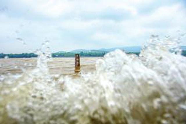 受降雨天气影响 湘江长沙段水位破30米