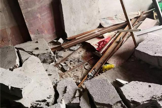 湘潭一宾馆违规改建墙体倒塌致拆除工人死亡