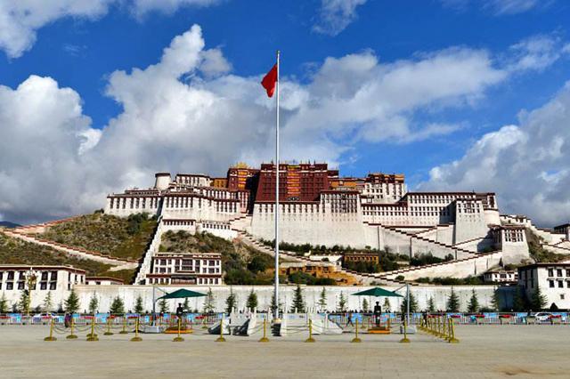 """""""冬游西藏""""来了 布达拉宫等景区持续5个月免费游"""