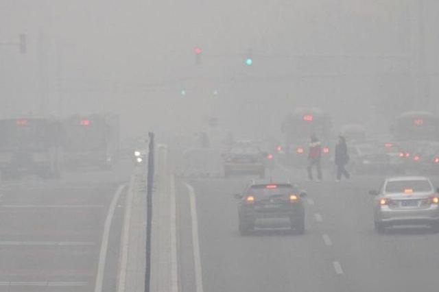 受大雾影响 湖南41个收费站实施了车辆只出不进的交通管制措施