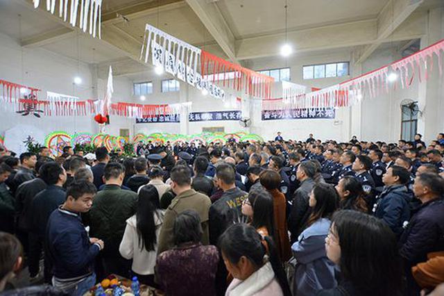 湖南省优秀警察胡进劳累过度因公牺牲 公安部为其发唁电