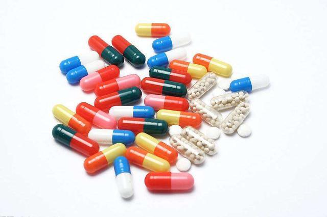 三成常用药价格上涨 如何保供稳价?国家医保局答复多份提案