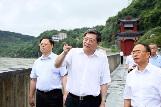 杜家毫在怀化、湘西州检查督导防汛工作