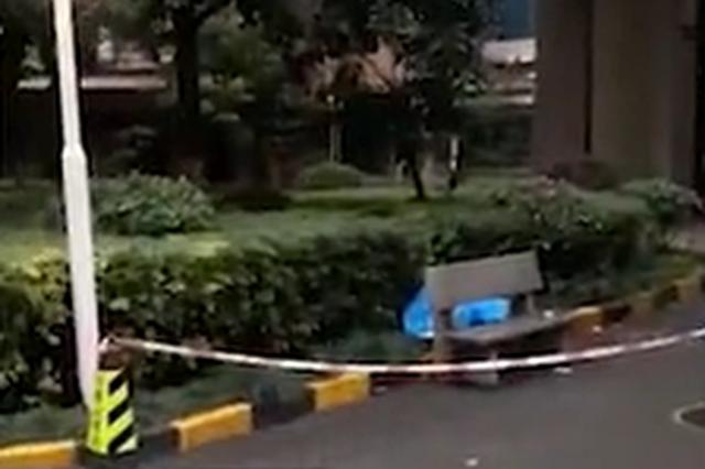 长沙一男子酒后从32楼跳下自杀身亡