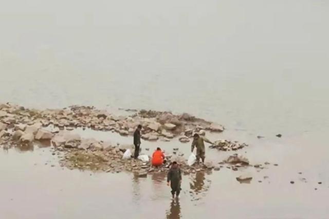 安乡警方查获两起非法捕捞案件,抓获嫌疑人8人