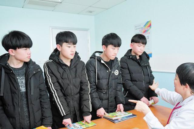 """全国首例全男四胞胎高考了,孩子妈妈说:""""拿到录取通知书后"""