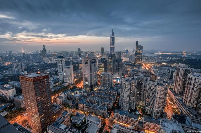 全国14个特大城市房价皆过万:杭州最高,哈尔滨最低,长沙买