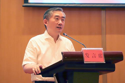 省教育厅党组书记、厅长、省委教育工委书记蒋昌忠出席会议并讲话
