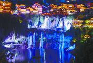 永顺芙蓉镇提质改造:瀑布流光溢彩 夜色迷人