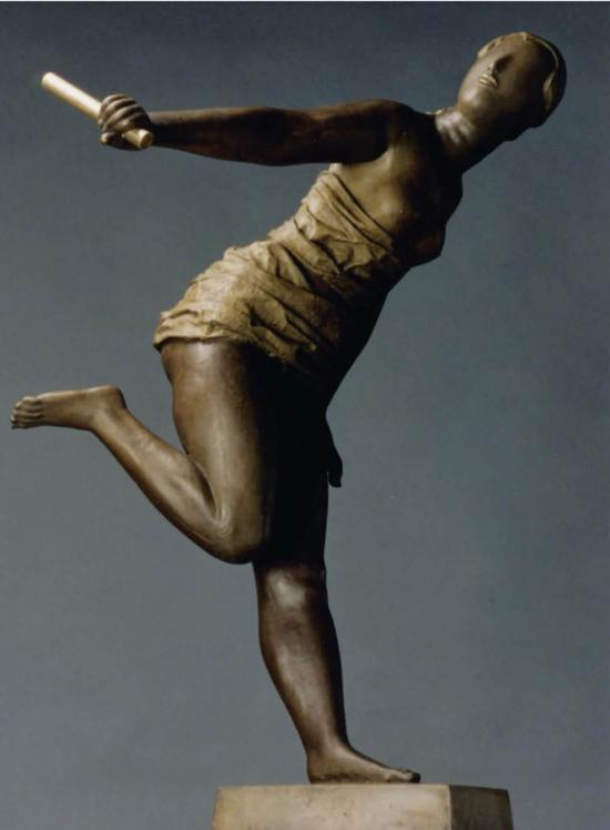 《接力者》(获第四届中国体育美展金奖) 作者:李象群 鲁迅美术学院