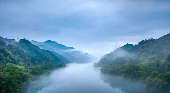 湖间仙境,雾漫东江