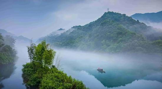 雾漫小东江,仙境在人间
