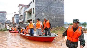 湖南临武遭特大暴雨袭击 多处民房农田被淹