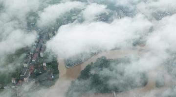 湖南衡阳现雨后云海景观