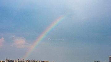 雨后长沙天空现彩虹 网友:太美啦!
