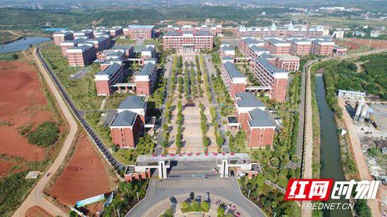 湖南师大附中耒阳分校实景图。