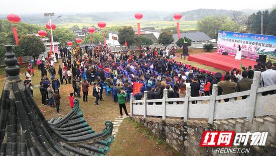 3月26日,第三届衡南车江桃花节开幕。