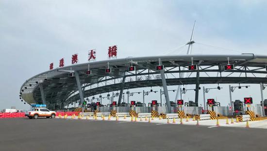 港珠澳大桥开通 衡阳人可自驾去香港