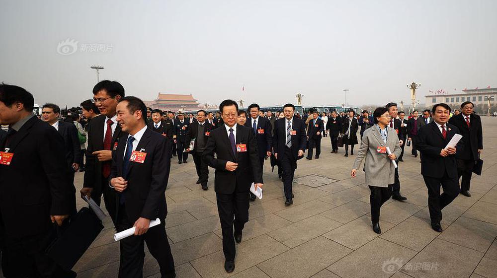 2019两会:全国政协十三届二次会议在京开幕