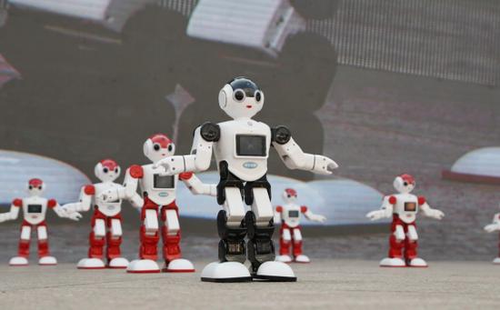 机器人舞蹈《最好的舞台》