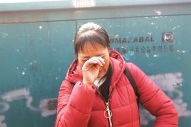 12月6日,湖南电子科技职业学院,王秋花说起自己儿子姚某十分悲痛。 图/记者华剑
