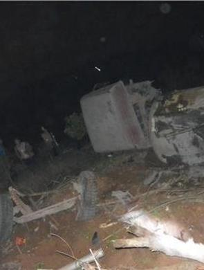 株洲一水泥罐车刹车失灵致5车相撞
