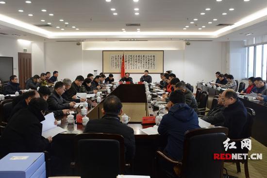 1月8日上午,湖南省2017年度打击侵权假冒绩效现场考核汇报会在长沙举行。