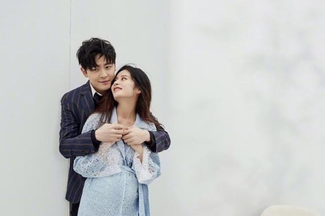 付辛博宣布喜得千金 与颖儿正式升级当爸妈