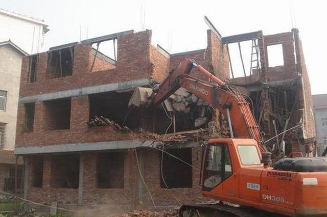 常德鼎城两天拆除2000多平米违法建设