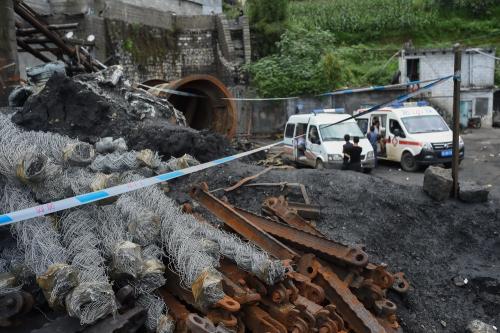 慈利一重型卡车施工时发生事故  两学龄儿童身亡