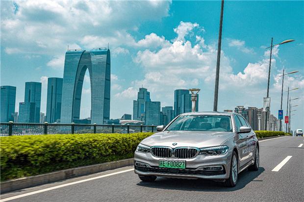 深度体验新BMW 5系插电式混合动力车型