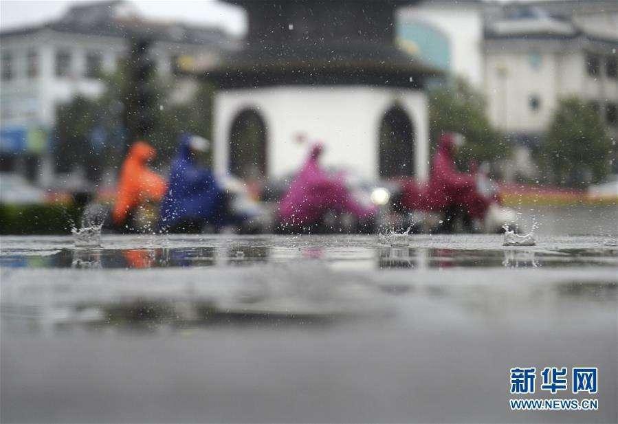 江苏今天雷雨大风齐上阵,迎来大降温!