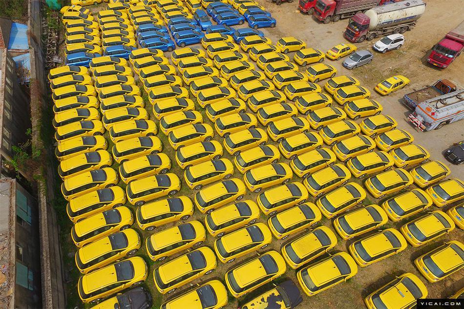 网约车大战之后:南京超3000辆出租车被滞留于此