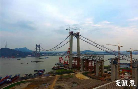 大江不再阻隔南北 2025江苏已建在建跨江桥隧将超30座