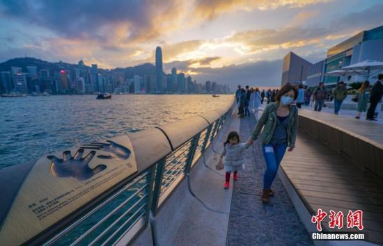 香港著名旅游景点星光大道。中新社记者 张炜 资料图