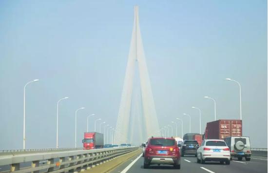 (图为苏通长江公路大桥。来源:视觉中国)