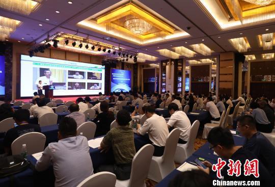 绿色金融支持节能环保产业融资对接会暨京津冀节能技术改造与服务融资对接会近日在京举行。 夏宾 摄
