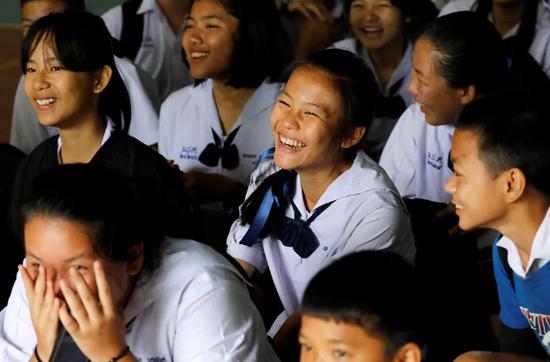 泰国清莱,梅塞普斯特艺术学校的学生。图/视觉中国