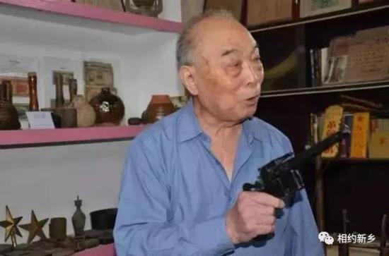 郭兴为辉县耿凤泉抗战实物展览馆代言