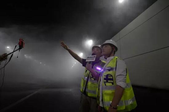 注意:最近隧道夜间管养,网传类似喷淋图片与视频为消防演习与设备检修过程!