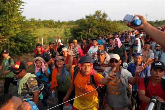 11月2日,到来己中美洲的外姓沿公路走向美国道德州的伊臻尔戈(Hidalgo)。