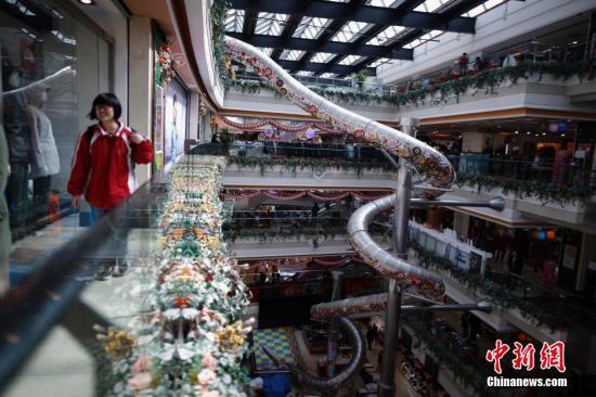 资料图:上海一家商场。图片来源:视觉中国