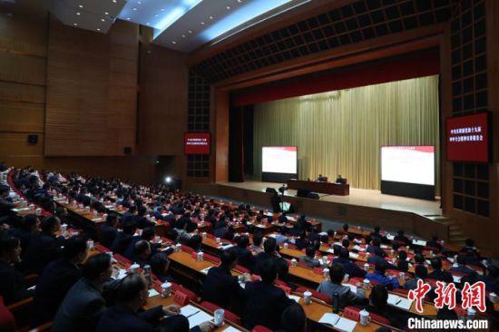 中央宣讲团党的十九届四中全会精神宣讲报告会在南京举行。 泱波 摄
