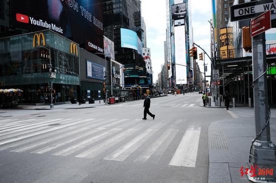 ↑空荡的纽约曼哈顿街头,图据纽约时报