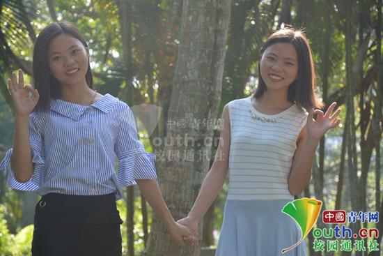 图为陈翠华(左)和陈翠平合照