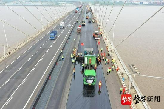 """苏通大桥""""新装上阵""""今日恢复通行!江苏最大规模集中养护国"""
