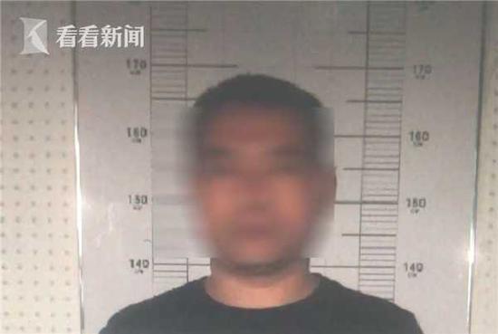 经审查,徐某,黑龙江人,曾有诈骗前科,2017年刚刚刑满释放。