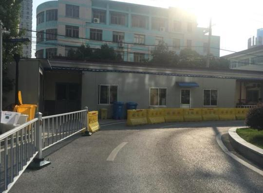医院的临时消毒供应室,年初由于大楼改建,暂搬至这里。